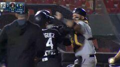 ВІДЕО. Бійка з битами. Масове побоїще влаштували бейсболісти у Мексиці