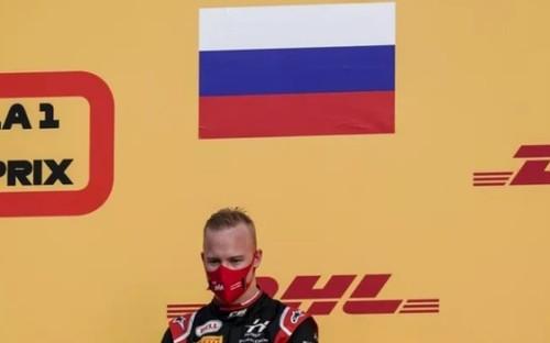 Без флага и гимна в Формуле-1? Возможные санкции для пилота из России