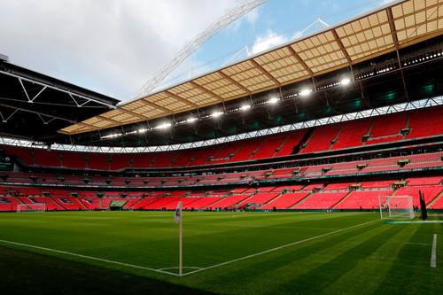 Запрет на выезд фанатов? УЕФА перезапустит продажу билетов на Евро-2020