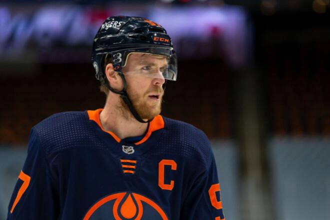 НХЛ определила лучшего игрока, вратаря, защитника и новичка сезона