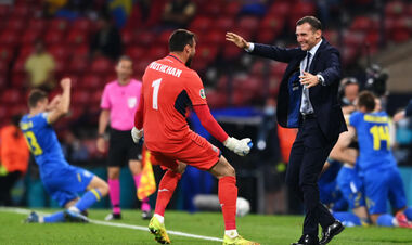 Черчесов дзвонив і поздоровляв Шевченка з виходом до 1/4 фіналу Євро-2020