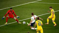ВІДЕО. Україна пропустила швидкий гол. Кейн забив з передачі Стерлінга