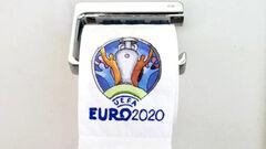 ВИДЕО. Талантливо! Художник изобразил ход Евро-2020 на туалетной бумаге