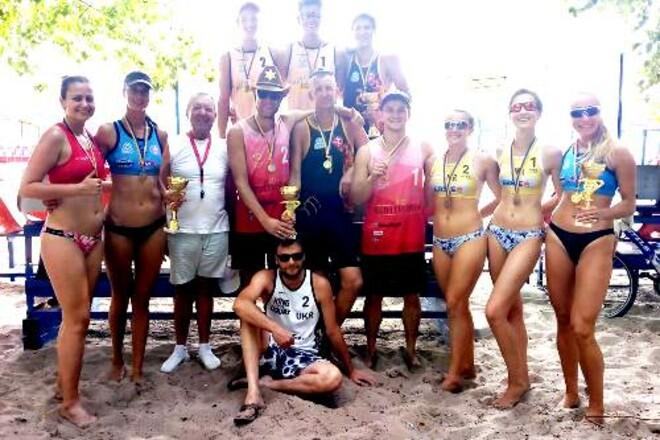 Завершился первый тур чемпионата Украины по пляжному волейболу