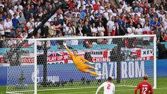 Дамсгор – самый молодой автор гола в истории Дании в плей-офф Евро