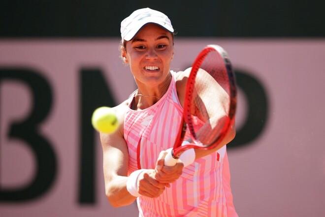 Калинина вышла в полуфинал турнира во Франции