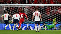 Александр ДЕНИСОВ: «Пенальти в ворота Дании подмочил репутацию Евро-2020»