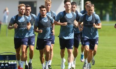 ФОТО. Динамо тренируется в Швейцарии без мячей. У Де Пены повреждение