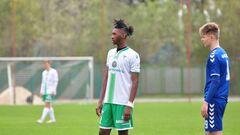 Нігерійський футболіст продовжив контракт із Динамо
