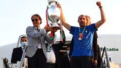 Власти запретили сборной Италии проводить чемпионский парад