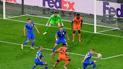Миколенко та Матвієнко - кращі на Євро-2020 за виграною боротьбою в обороні