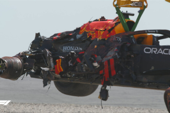 Ред Булл недоволен: «При ударе в барьеры Макс получил перегрузку 51G»