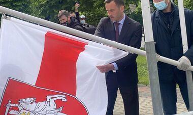 ЛУКАШЕНКО: «Тем, кто в Риге снимал флаг Беларуси, надо было набить морду»