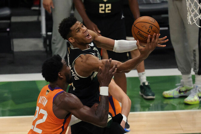 Милуоки Бакс обыграли Финикс Санз и стали чемпионами НБА