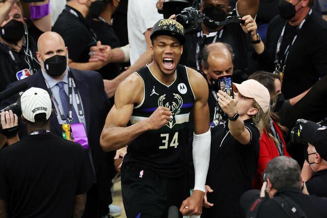 Он привел команду к титулу. Яннис Адетокунбо признан MVP финала НБА