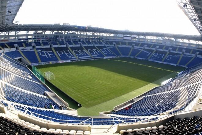 ФОТО. Газон стадиона Черноморец находится в ужасном состоянии