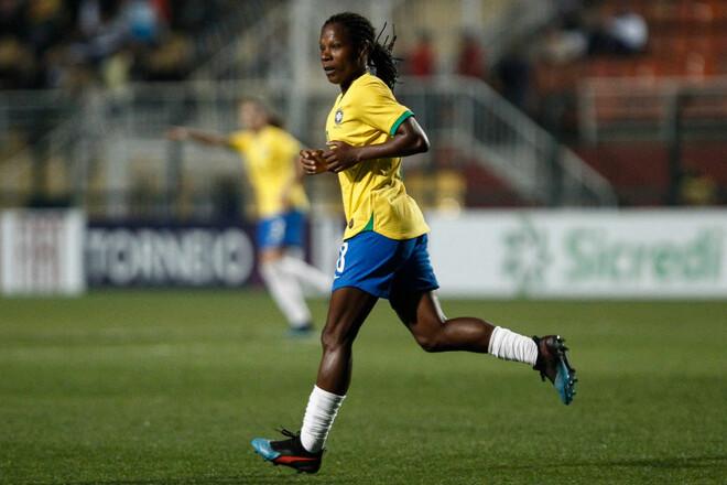 Олимпийский рекорд. Футболистка сборной Бразилии сыграла на седьмых ОИ