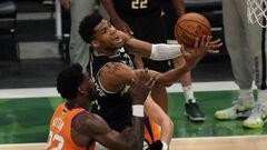 Мілуокі Бакс обіграли Фінікс Санз і стали чемпіонами НБА