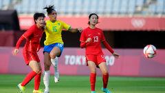 Перші результати: 5:0 і 10:3. На ОІ стартував жіночий футбольний турнір