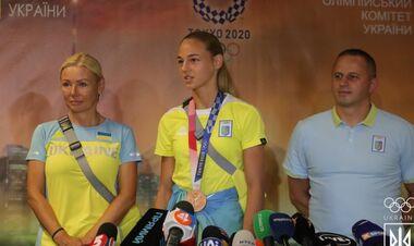 ФОТО. Бронзовая медаль уже в Украине. Билодид вернулась в Киев