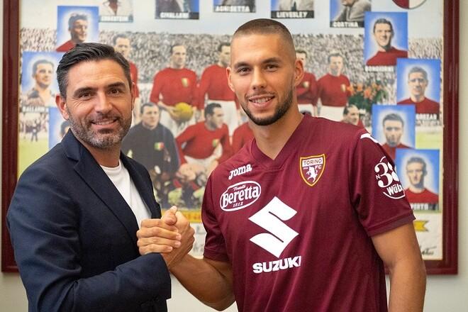 Ювентус отправил своего хавбека в аренду в Торино