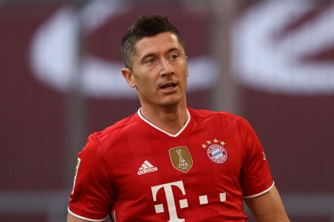 Левандовски останется в Баварии до 2023 года