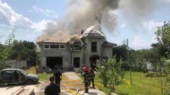 ФОТО. Все вещи сгорели. Самолет упал на дом украинской гандболистки