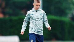 ФОТО. Зинченко вернулся в тренировочный лагерь Манчестер Сити