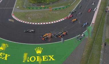 ВІДЕО. Велика аварія! Десяток болідів зіткнулися на Гран-прі Угорщини