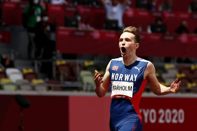 Норвежец с мировым рекордом выиграл золото в беге на 400 метров с барьерами
