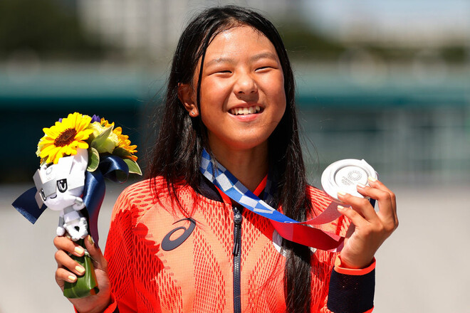 Скейтбординг. 12-летняя японка выиграла серебряную медаль Олимпийских игр