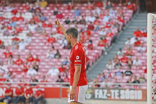 ФОТО. Как Яремчук праздновал дебютный гол за Бенфику