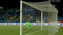 ВІДЕО. Динамо Бх пропустило з центру поля! Дивовижний гол забитий у Румунії