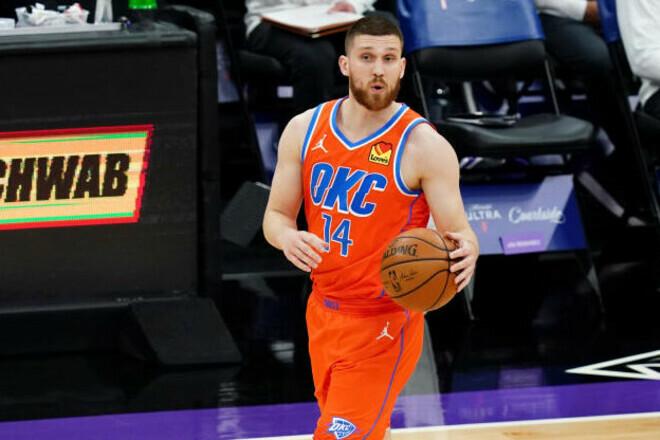 Два клуба НБА готовы подписать Михайлюка