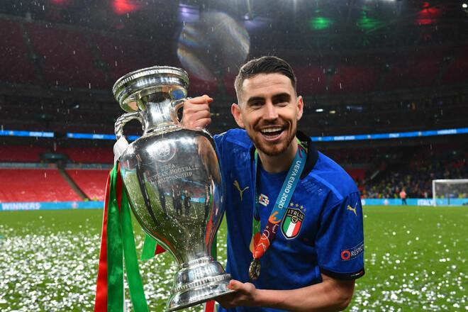 Жоржиньо – лучший футболист сезона в Европе