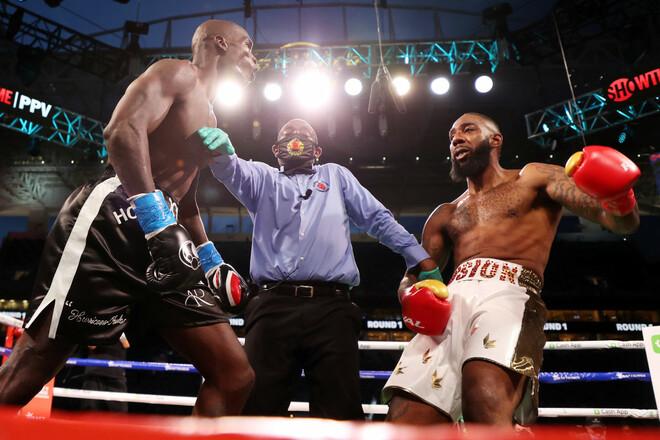Блогеры в боксе вызывают споры. Но сами боксеры нередко дрались с ними