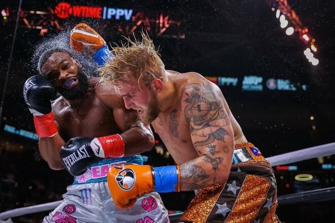 Блогер Джейк Пол решением судей победил экс-чемпиона UFC Тайрона Вудли