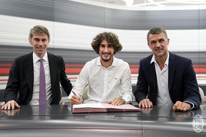 Милан оформил две сделки в последний день трансферного окна