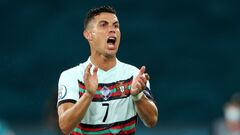 Группа A. Роналду тащит Португалию, Родригеш забивает за Люксембург