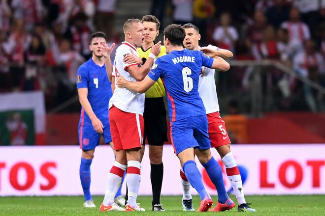 Группа I. Устроили потасовку. Польша чудом спаслась в конце игры с Англией