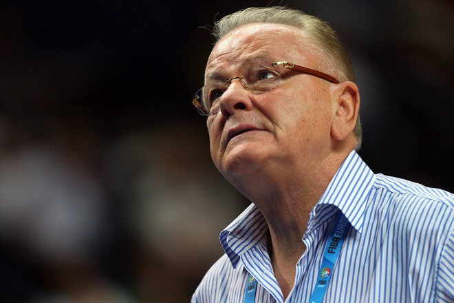 Помер один із найкращих європейських тренерів в історії Душан Івкович