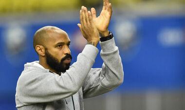 Анри может заменить Кумана на посту тренера Барселоны