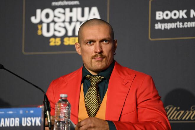 Усик провел пресс-конференцию перед боем с Джошуа на украинском языке