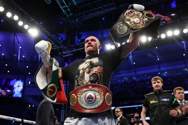 Промоутер Джошуа поставил Усика на второе место рейтинга лучших боксеров