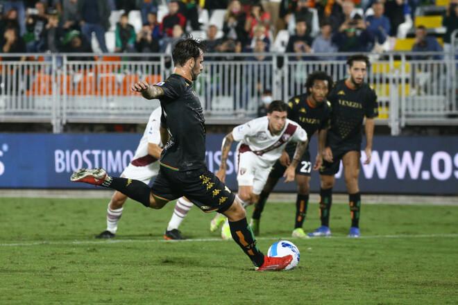 Венеция сумела отыграться в трудном матче против Торино