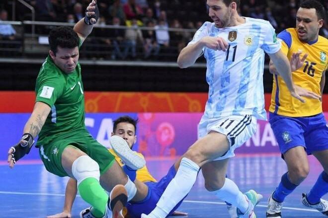 ВИДЕО. Аргентина обыграла Бразилию и вышла в финал ЧМ-2021 по футзалу