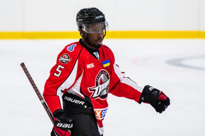 Клубы УХЛ обратились к IIHF. Требуют наказать игрока за расизм
