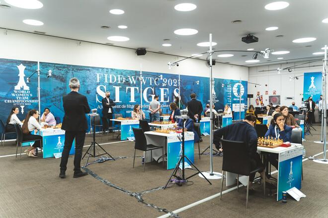 Женская сборная Украины сыграет против России в полуфинале ЧМ по шахматам