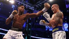 Промоутер Фьюри: «Усик встал в один ряд с боксерами вроде Холифилда»