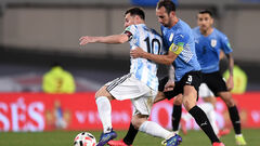 Месси помог Аргентине разгромить Уругвай